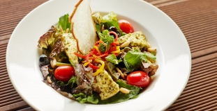 Ranch-chicken-and-cheddar-salad